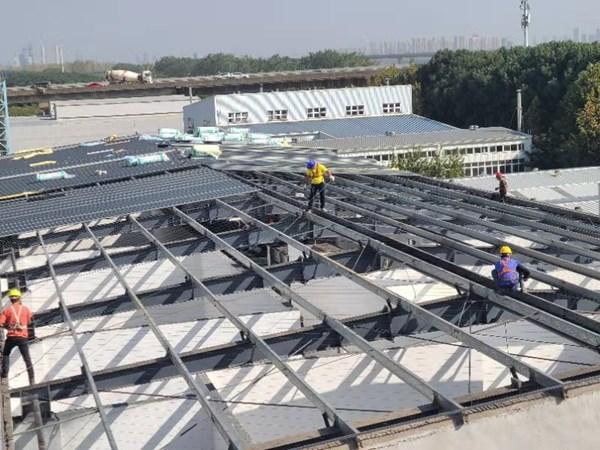 最近做了一个钢结构抗爆墙泄爆屋面施工,钢结构厂房改造  第1张